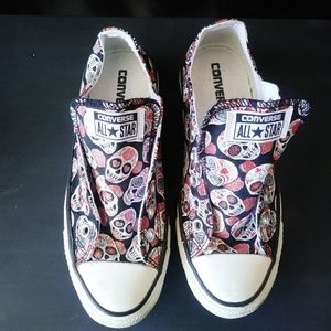 43641c4ef19 Women Skull Converse on Poshmark
